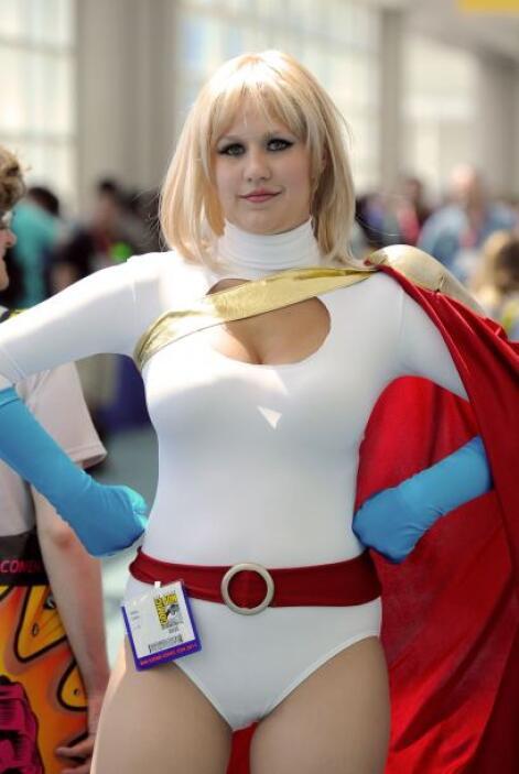 'Power Girl' es otra súper heroína que se distingue por sus sensuales cu...