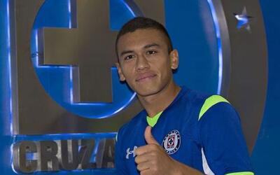 Cruz Azul se hizo de los servicios del colombiano Carlos Lizarazo, quien...