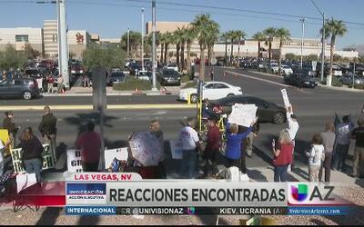 Reciben a Obama con protestas en Las Vegas