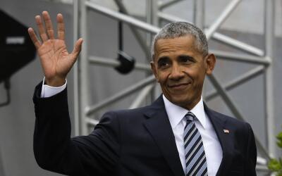 El expresidente Barack Obama, en Berlín, durante su encuentro con...