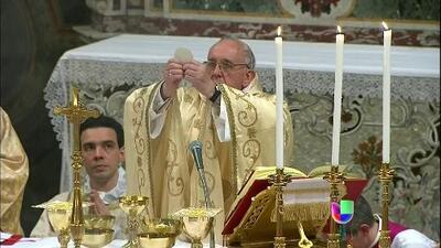 El Vaticano defendió con firmeza al nuevo papa Francisco