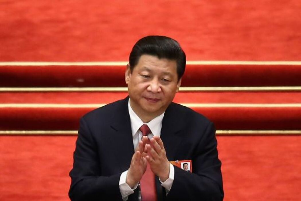 El secretario general del Partido Comunista Chino, Xi Jinping, ocupa el...