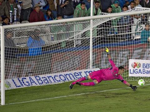 Oswaldo Sánchez (3): El guardameta de Santos no tuvo una buena no...