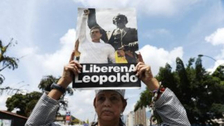 Leopoldo López es juzgado por los delitos de instigación pública, agavil...