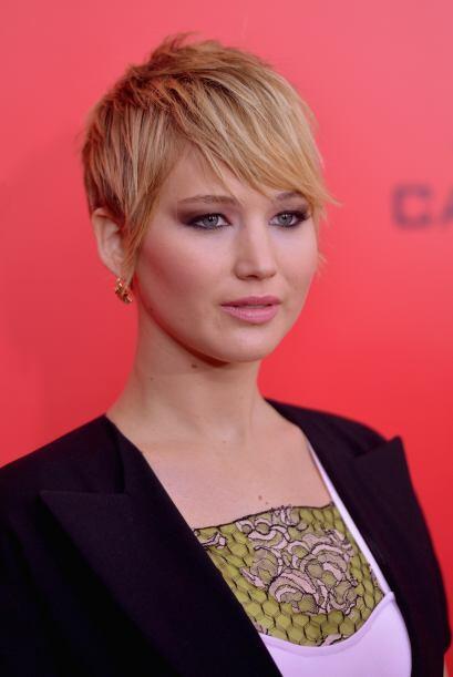 Jennifer Lawrence se atrevió a cambiar y cortar su larga cabeller...
