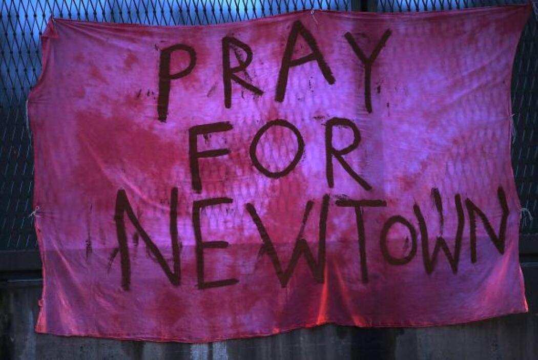 En la masacre perdieron la vida 12 niñas, ocho niños y seis adultos.