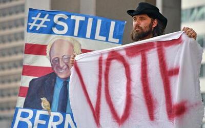 El partido demócrata ya tiene su candidata oficial pero aún muchos salen...