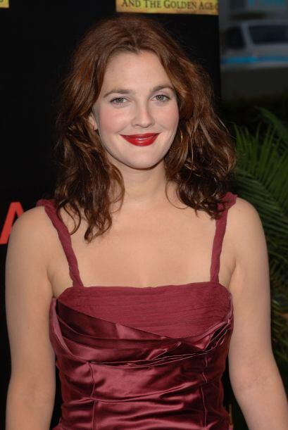 Con una melena roja como el fuego, Drew Barrymore se casó por segunda ve...