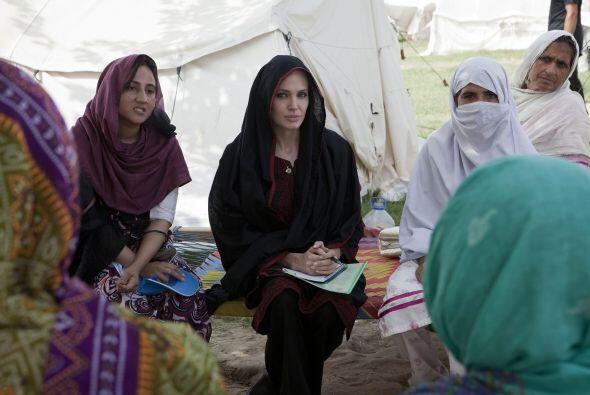 Angelina se interesó principalmente en las condiciones de vida de mujere...