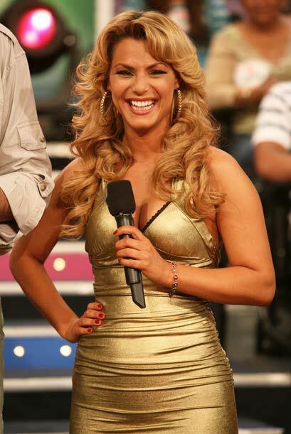 Rosina Grosso invade con su sensualidad cada sábado los televisores.