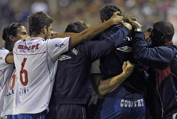 De esta manera el equipo uruguayo quedó en la cima del Grupo 6 con ocho...