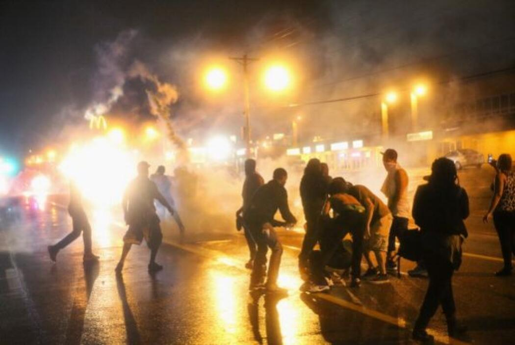 La primera confrontación entre los manifestantes y la policía tuvo lugar...