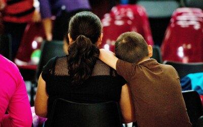 En 2014 más de 68,000 niños migrantes solos originarios de El Salvador,...
