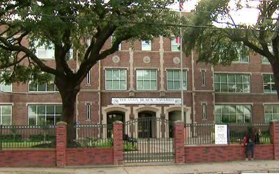 Alerta por intento de secuestro a estudiante en secundaria de Houston