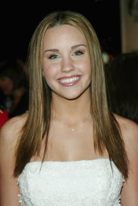 Y poco a poco Amanda fue ingresando al mundo de las celebridades.  Aquí...