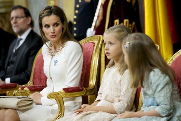 mientras la que la recién nombrada Princesa de Asturias, doña Leonor, ha...
