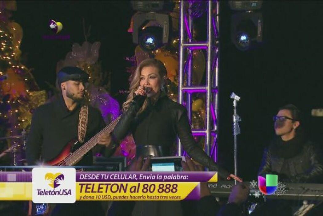 Thalía se unió al Teletón USA desde Nueva York, sin importar que el frío...