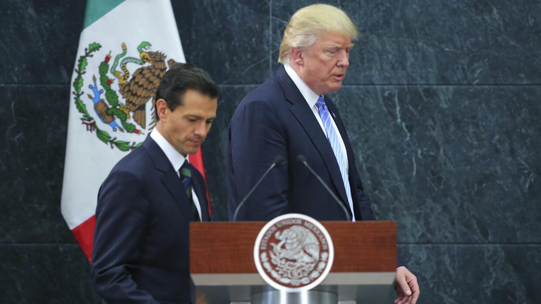 El Presidente de EEUU Donald Trump y el mandatario mexicano Enrique Peña...