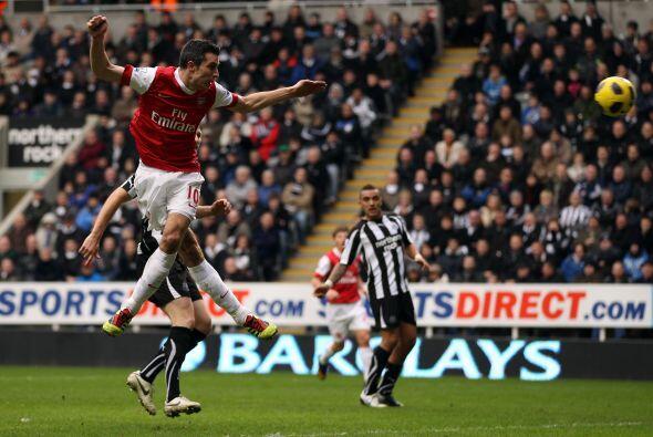 Newcastle quedó desconcertado ante el poderío del rival y sufrió una ráf...