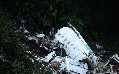 Seis personas sobreviven al accidente de avión de Colombia