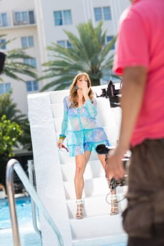 La guapa Flaca se divirtió de lo lindo en la grabación del video musical...