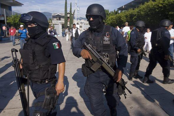 9 de agosto. Fue hallado un vehículo con 14 cadáveres a las afueras de S...