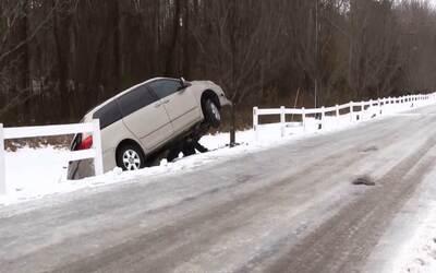 Caminos congelados en Carolina del Norte provocan accidentes de tráfico