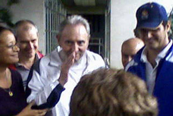 Esta salida se dio el día que anunciaron la liberación de presos cubanos.