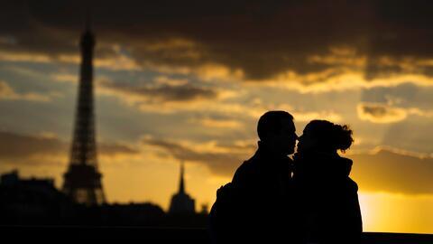 Antes de casarse una persona tiene un promedio de 12 parejas sexuales, r...