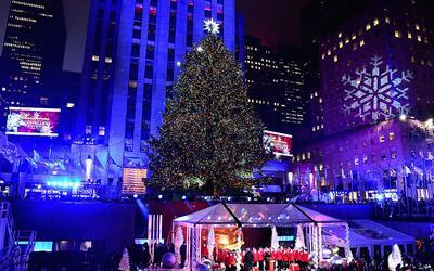Así fue el encendido del árbol navideño de Rockefel...