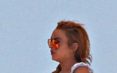 Lindsay Lohan de vacaciones tras romper con su pareja.