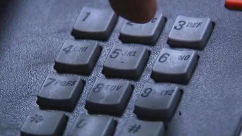 Compañía AT&T sugiere la aprobación de una nueva ley que eliminaría las...