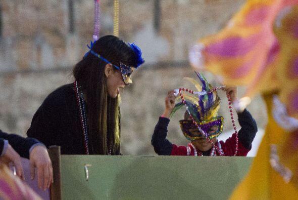 La ganadora del Oscar se divirtió como enana en Nueva Orleans.