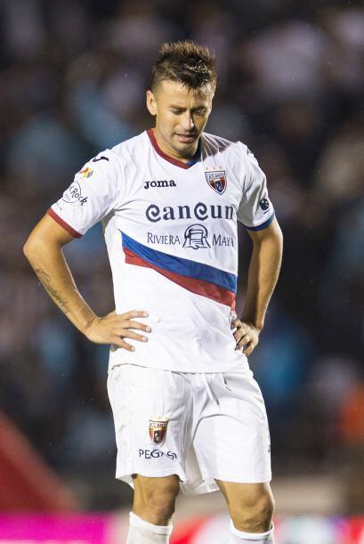 Roberto Gutiérrez, se marcha de la Liga MX luego de que el chileno dispu...