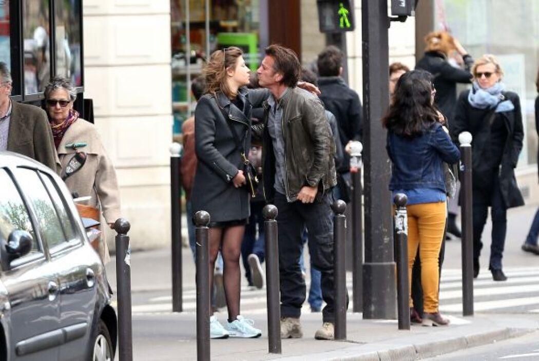 Su amorcito estaba lejos, en París. Mira aquí los videos más chismosos.