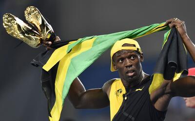 Subastan zapatilla firmada por Usain Bolt