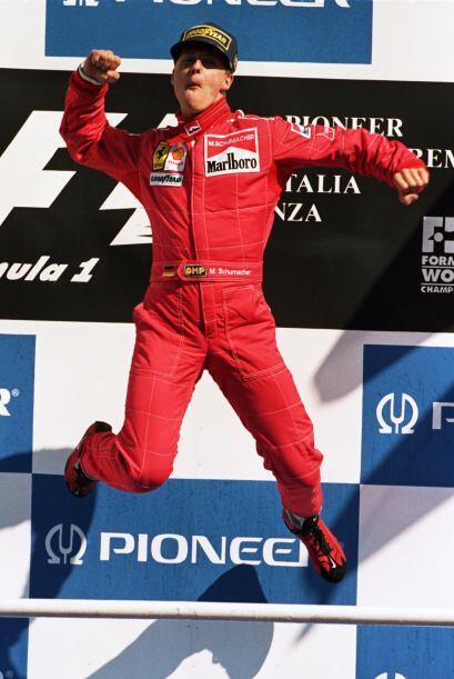 Finalmente, en el año 200 se empezó a formar la Leyenda Schumacher cuand...