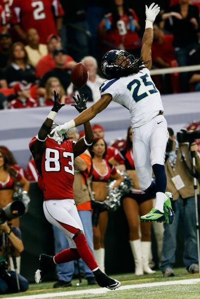 Los Falcons fueron rotundos en la primera mitad.