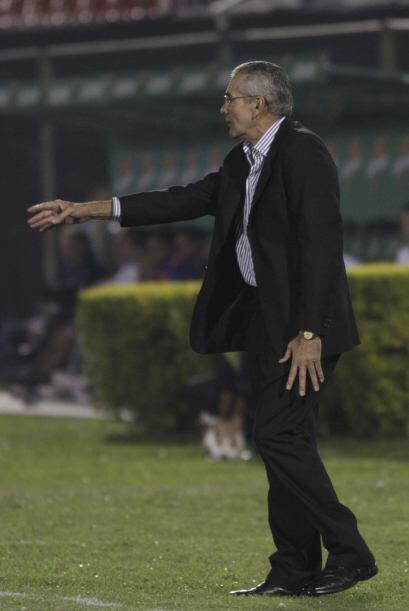 El uruguayo Gregorio Pérez no le encontró la vuelta a Vélez y con resign...