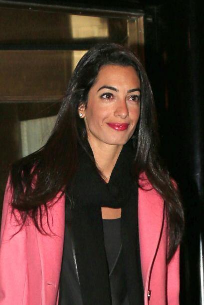 Clooney se mostró muy feliz con su novia y expresó que le encanta su man...