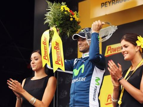 Alejandro Valverde del equipo Movistar se impuso en la decimosépt...