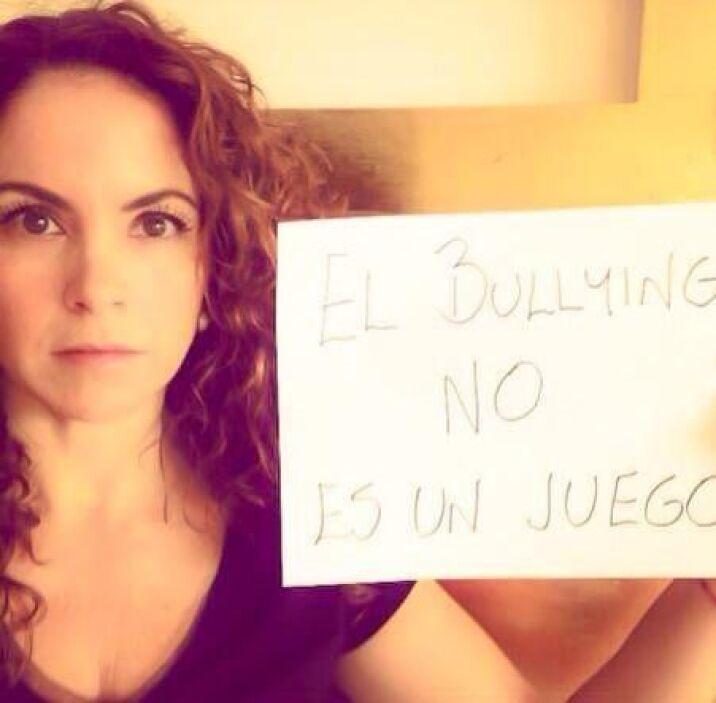 Lucero no se conformó con subir una sola foto en contra del bullying. Fo...