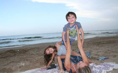 Alexandra con sus hijos Nico y Daniela