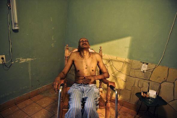 Durante su huelga, la mayor parte de la cual siguió en un hospital, afec...