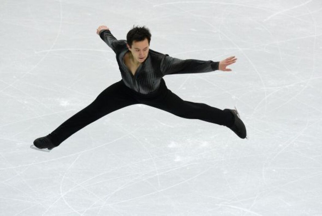 El canadiense Patrick Chan en el Iceberg Skating Palace durante los JJOO...