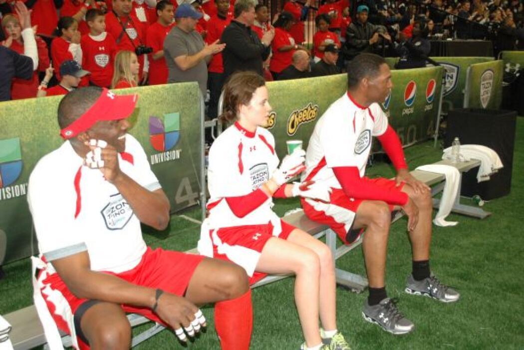 Sarah Ramos interactuó con los históricos de la AFC.