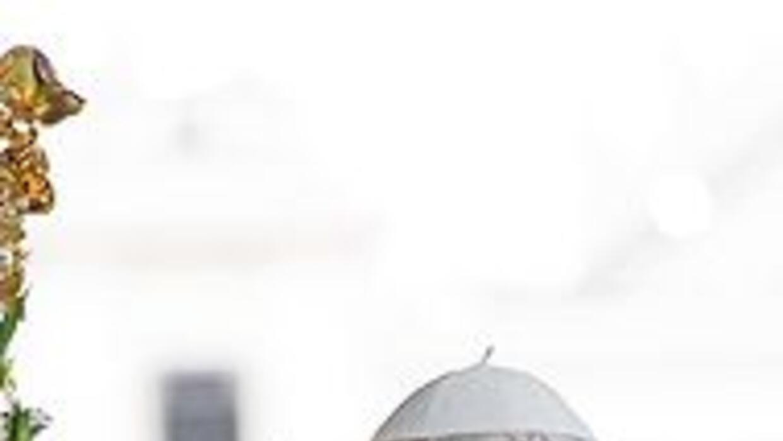 El Papa Benedicto XVI llegó a Fátima y oró a los pies de la Virgen del R...
