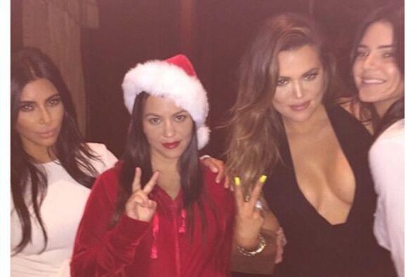 Y quienes no podían faltar eran las reinas de la fiesta, ¡las Kardashian...