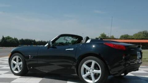 Este pequeño roadster americano comparte plataforma con el Opel S...