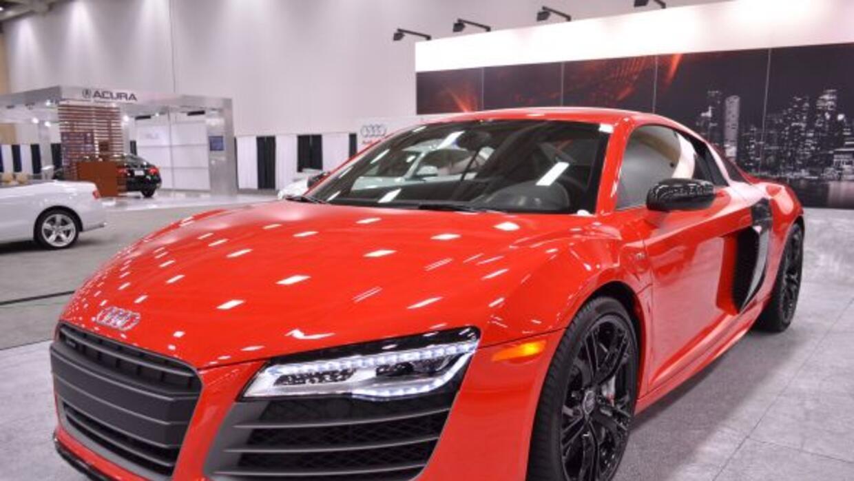En AUDI, se ve espectacular en este modelo que combina el lujo con el di...